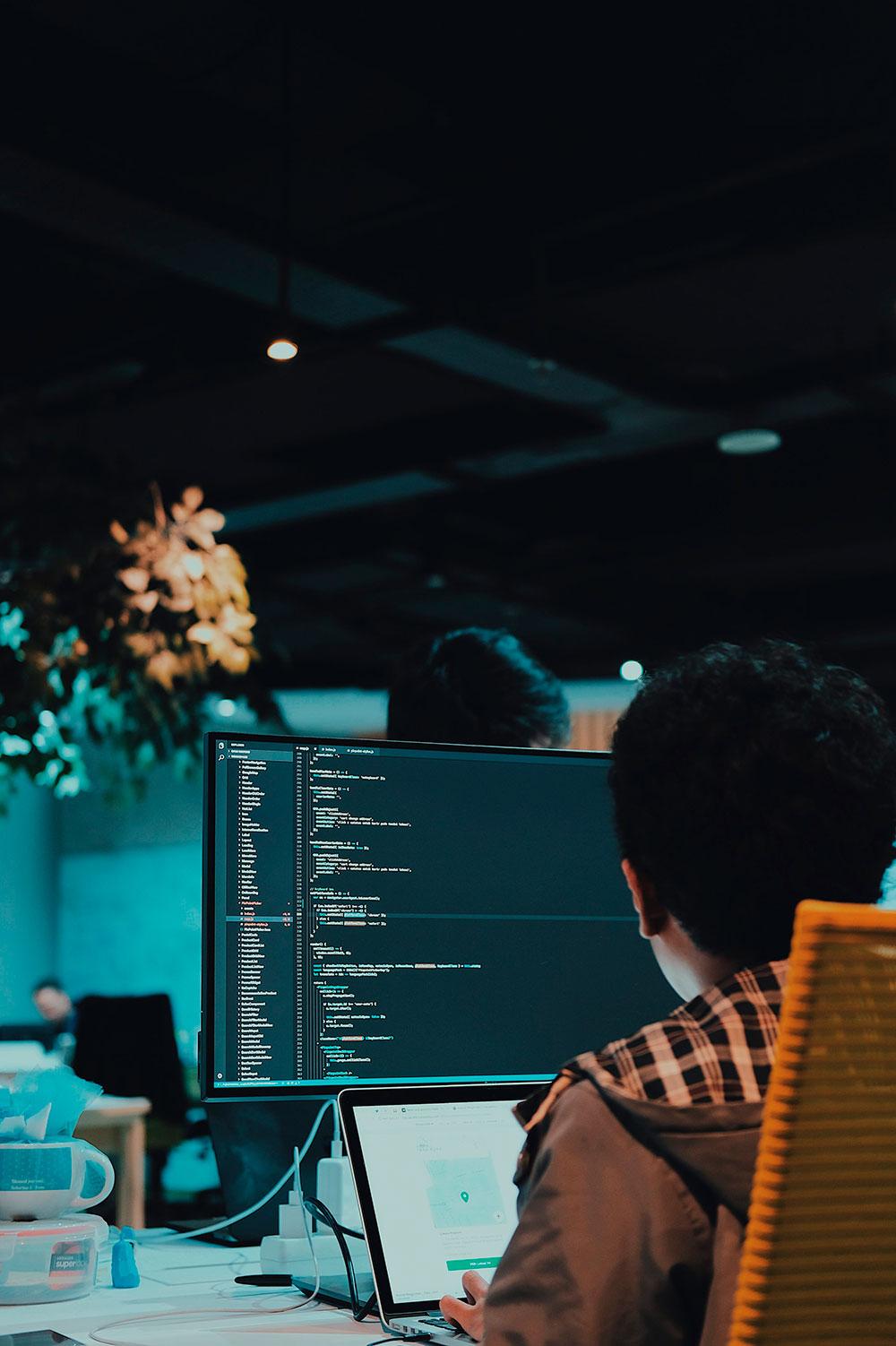 Desarrollo web y aplicaciones